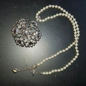 Cookie Lee faux Pearl rhinestone choker necklace